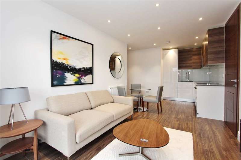 2 Bedrooms Apartment Flat for sale in East Barnet Road, Charlotte Court, London