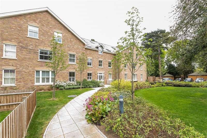 2 Bedrooms Flat for sale in Mary Crellin House, 20 Langdon Park, Teddington, TW11