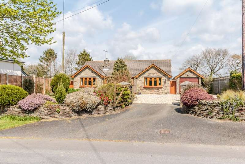 3 Bedrooms Bungalow for sale in Clawton, Holsworthy, Devon EX22