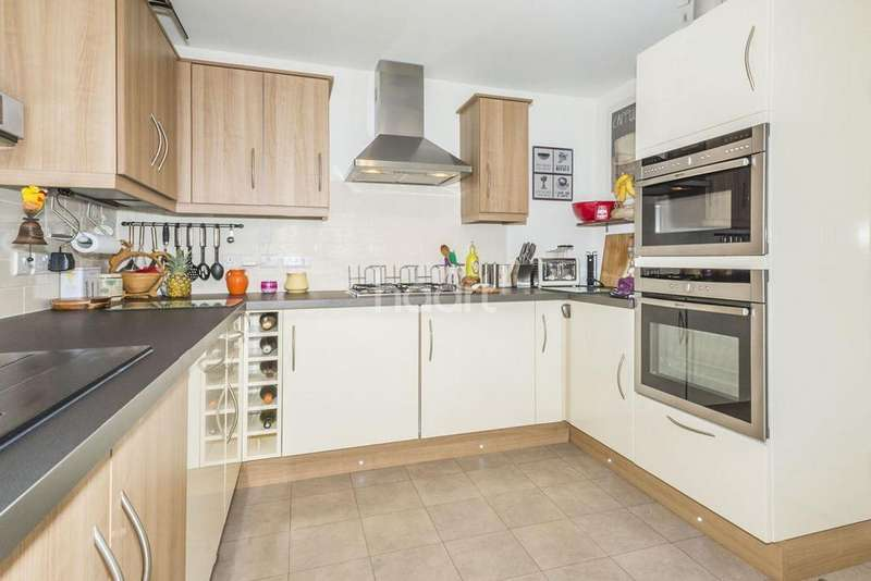 3 Bedrooms Semi Detached House for sale in Cole Green Lane