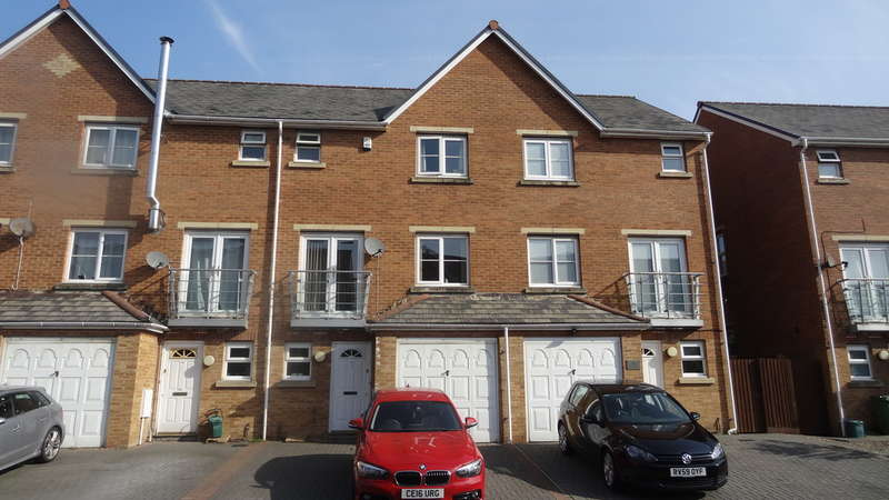 3 Bedrooms Town House for sale in Clos Tyniad Glo, Barry