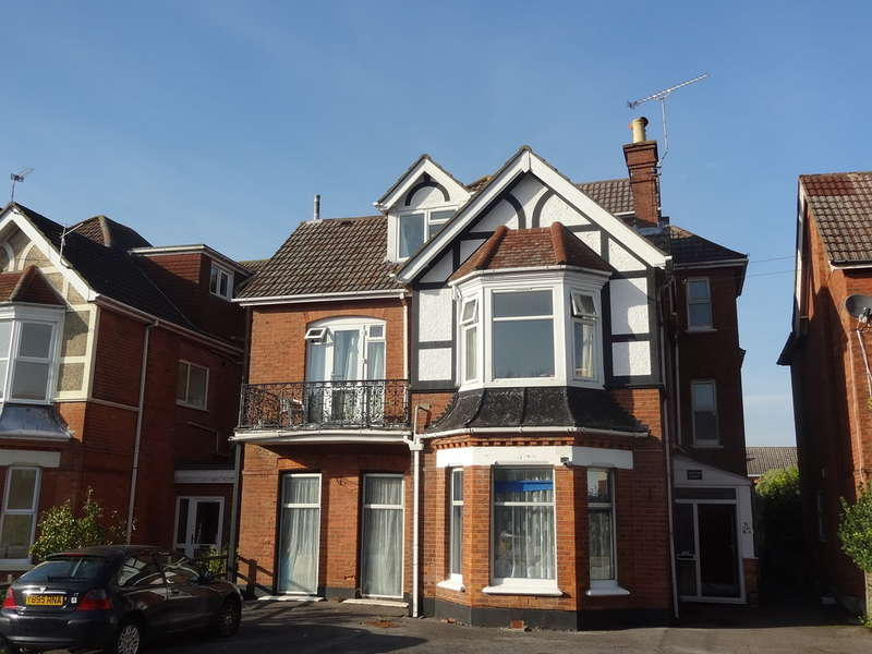 1 Bedroom Flat for sale in Carysfort Road, Bournemouth