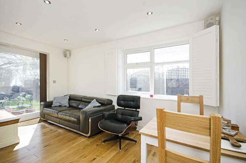 3 Bedrooms Flat for sale in Hendon Way, Hendon, NW4