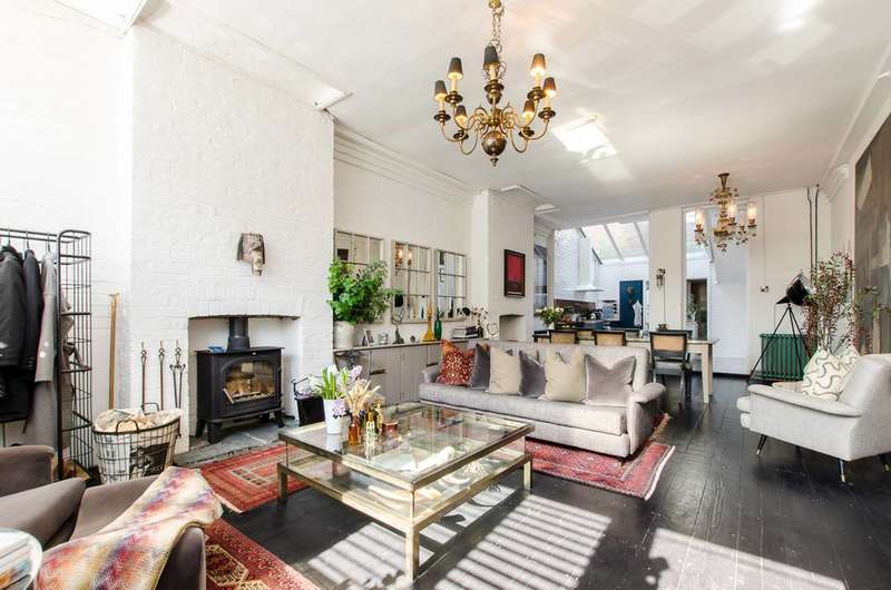3 Bedrooms Terraced House for sale in Wadeson Street, London Fields, E2