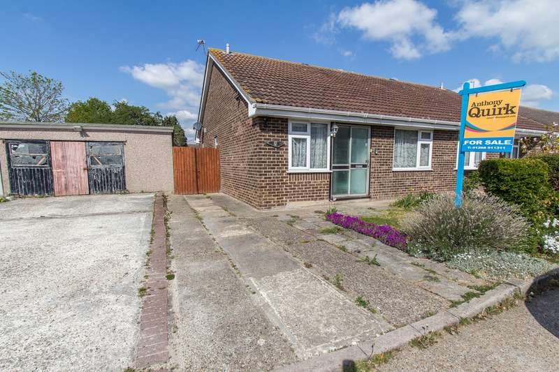 2 Bedrooms Semi Detached Bungalow for sale in Brookside, Canvey Island, SS8