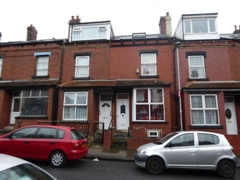 4 Bedrooms Terraced House for sale in Sandhurst Place, Harehills, LS8
