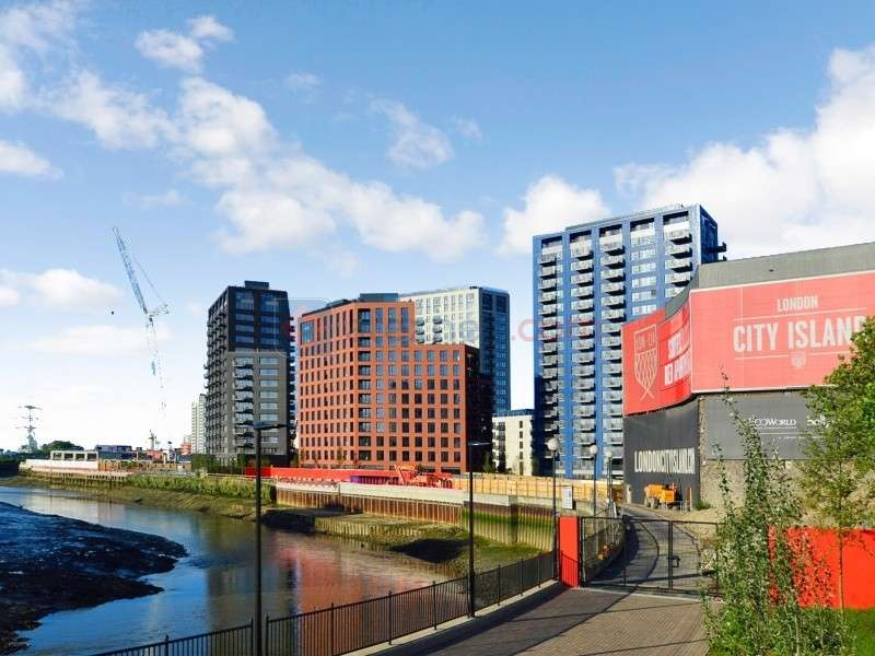 2 Bedrooms Flat for sale in Orchard Place, London City Island E14