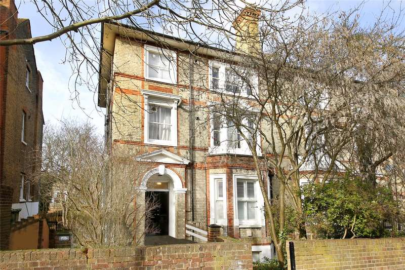 2 Bedrooms Apartment Flat for sale in Victoria Crescent, Crystal Palace, London