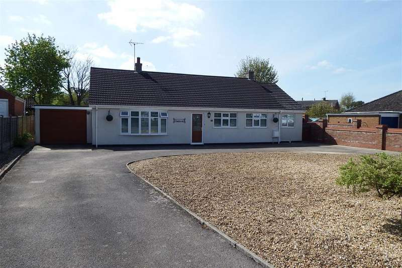 3 Bedrooms Detached Bungalow for sale in Cobgate, Whaplode