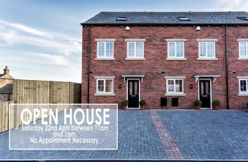 3 Bedrooms Town House for sale in Medlock Road, Horbury