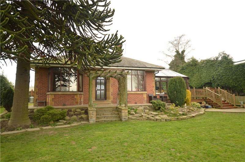 4 Bedrooms Detached Bungalow for sale in Scotchman Lane, Morley, Leeds