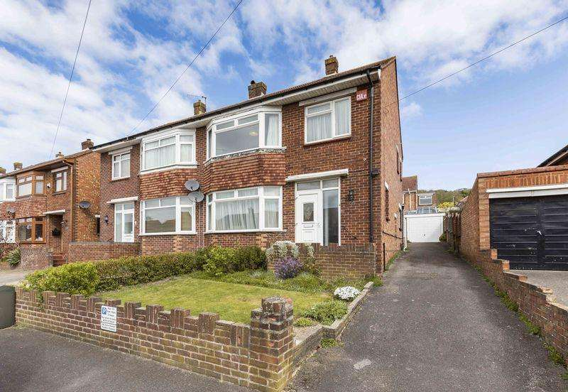 3 Bedrooms Semi Detached House for sale in Cranborne Road, Portsmouth