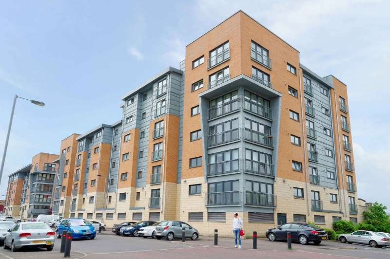2 Bedrooms Flat for sale in 80 Barrland Street, Strathbungo, Glasgow, G41 1AG