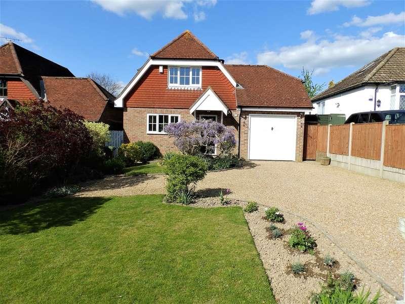 3 Bedrooms Detached House for sale in Swindon Road, Horsham