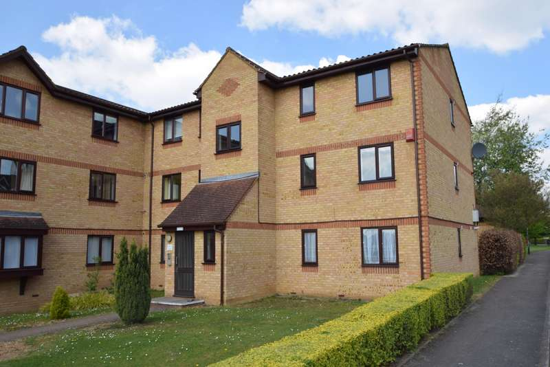 2 Bedrooms Flat for sale in Lowestoft Drive, Slough, SL1