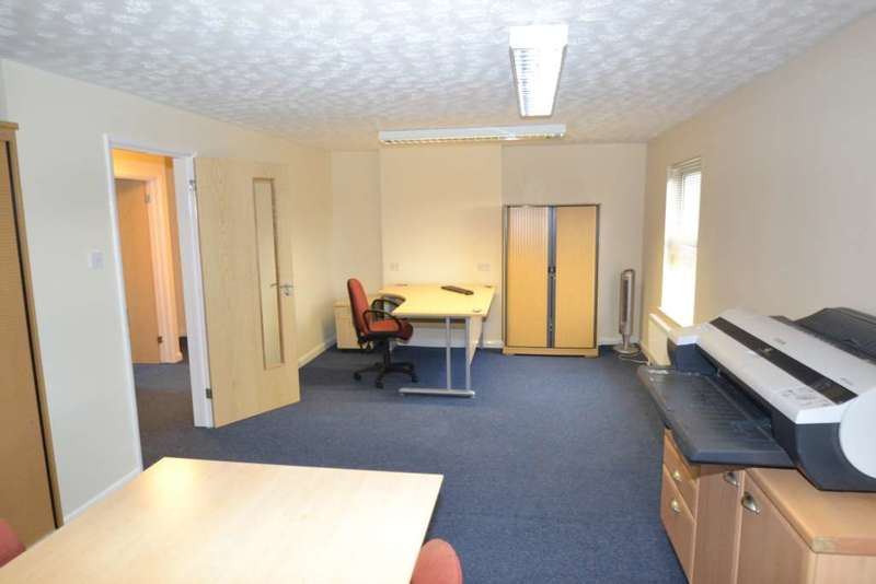 Office Commercial for rent in London Road, Postcombe, 4 Offices available