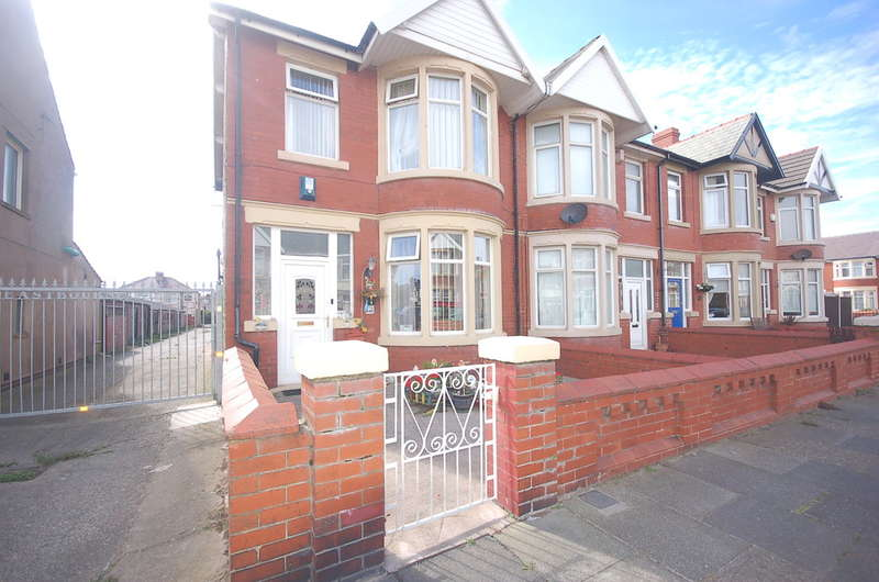 3 Bedrooms End Of Terrace House for sale in Eastbourne Road, Blackpool