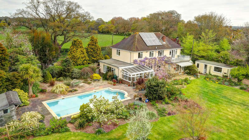 4 Bedrooms Detached House for sale in Lyminster Road, Lyminster