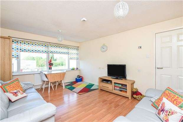 1 Bedroom Flat for sale in Gale Close, Mitcham, Surrey, CR4