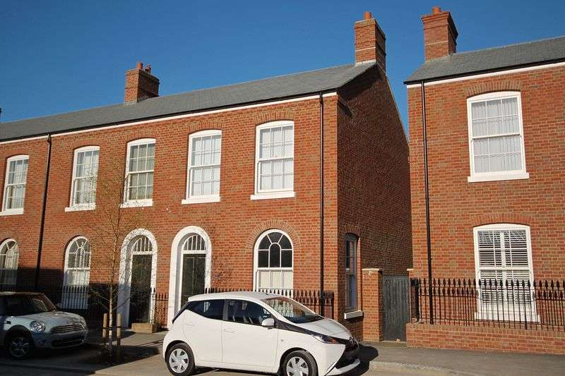 2 Bedrooms House for sale in Liscombe Street, Poundbury, DT1