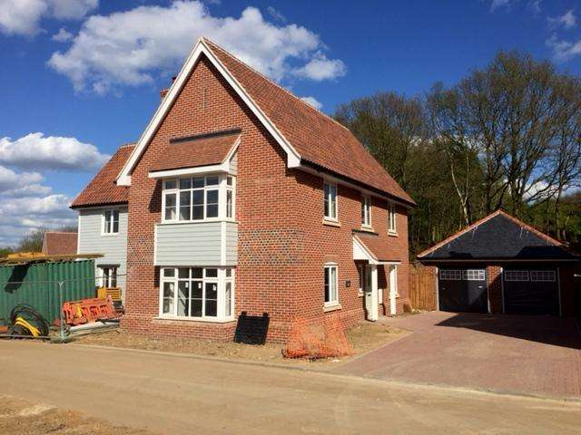4 Bedrooms Detached House for sale in Plot 5, The Brackens, Great Burches Road, Thundersley