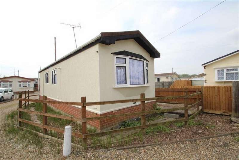 1 Bedroom Property for sale in Riverside Park, West Drayton
