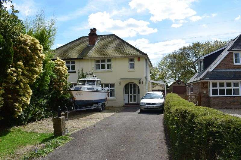 4 Bedrooms Semi Detached House for sale in Rollestone Road, Southampton