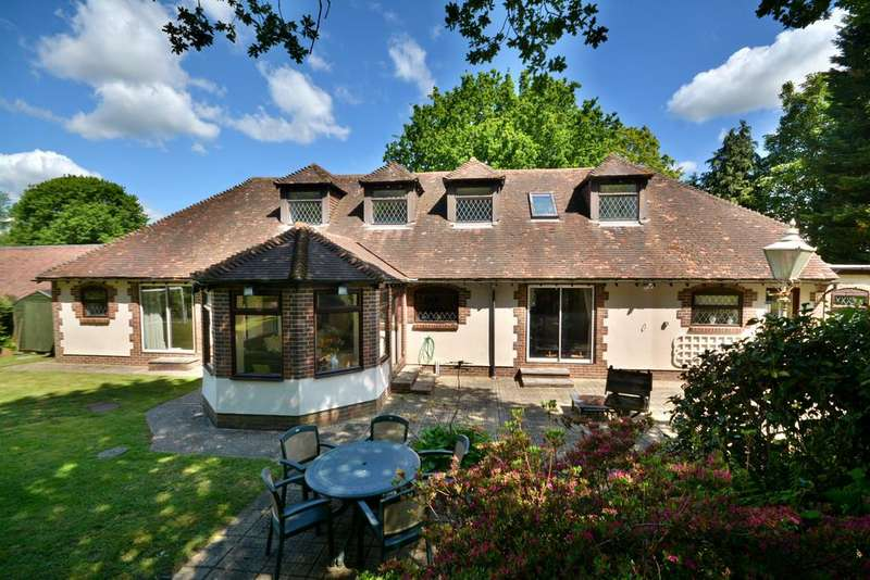 7 Bedrooms Chalet House for sale in Haglands Copse, West Chiltington