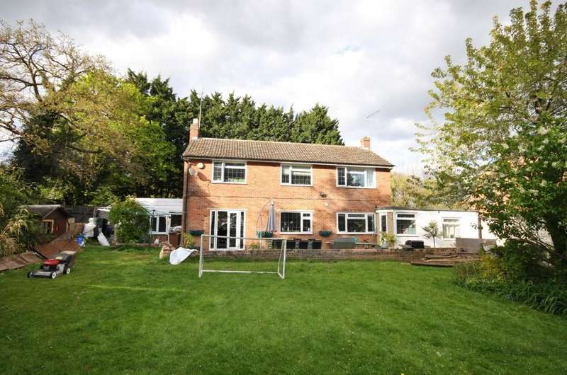 4 Bedrooms Detached House for sale in Standon Road, Little Hadham