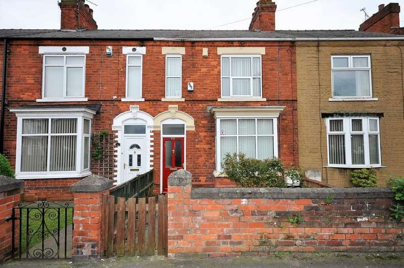 3 Bedrooms Terraced House for sale in North Eastern Road, Thorne, Doncaster