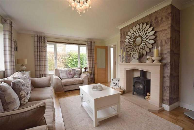 4 Bedrooms Detached House for sale in Uplands Drive, Fence, Lancashire