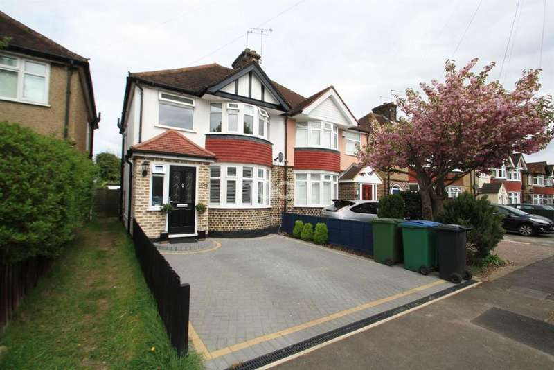 3 Bedrooms Semi Detached House for sale in Third Avenue, Watford, WD25