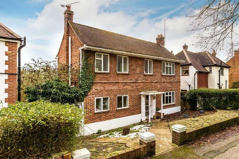 3 Bedrooms Detached House for sale in Selsdon Road, South Croydon