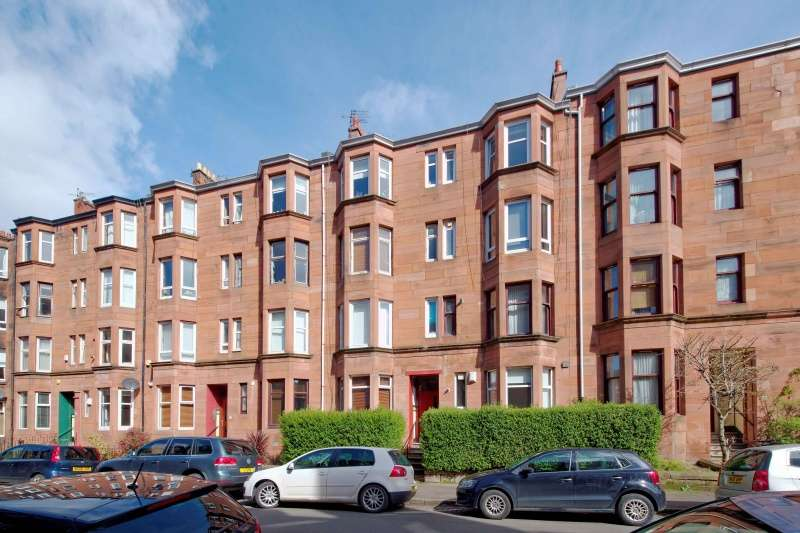1 Bedroom Flat for sale in 18 Kennoway Drive, Partick, Glasgow, G11 7TZ