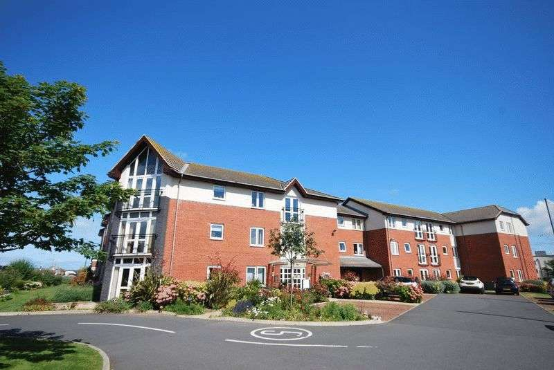 1 Bedroom Flat for sale in Fairways Court: ** NO CHAIN- BRIGHT & AIRY APARTMENT**