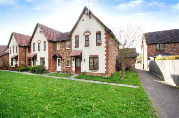 3 Bedrooms End Of Terrace House for sale in Carnation Close, Littlehampton, West Sussex, BN17
