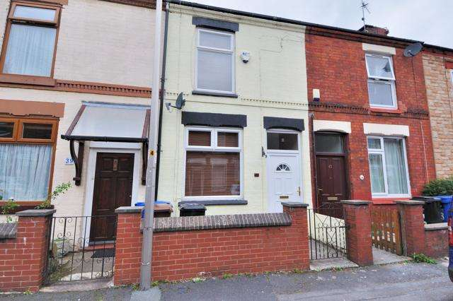 2 Bedrooms Terraced House for sale in Churchill Street, Heaton Norris, Stockport, SK4 1NB