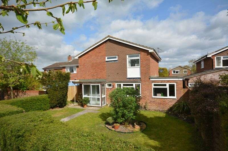 3 Bedrooms Detached House for sale in Wessex Way, Grove