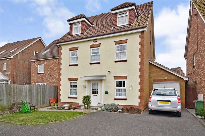 6 Bedrooms Detached House for sale in Farne Drive, Wickford, Essex