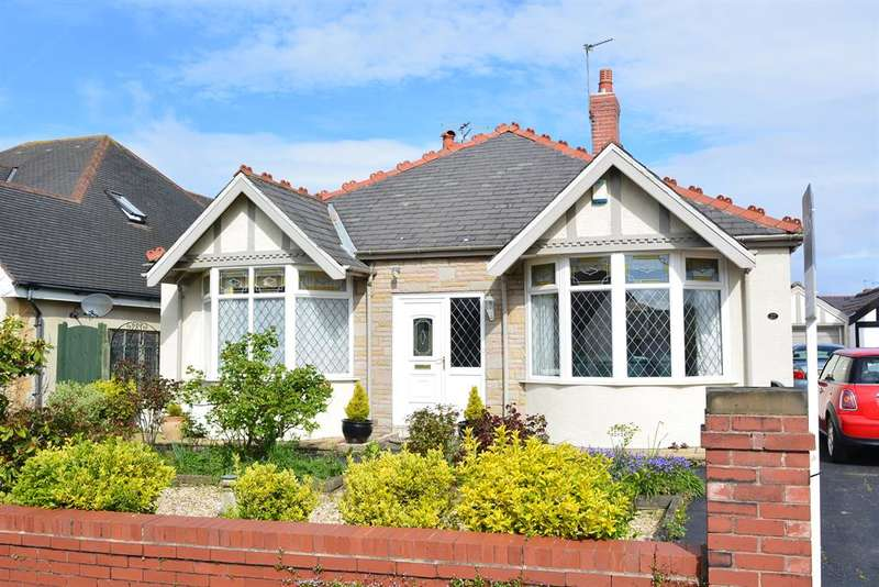 3 Bedrooms Detached House for sale in Berwick Road, South Shore, Blackpool, FY4 2PT