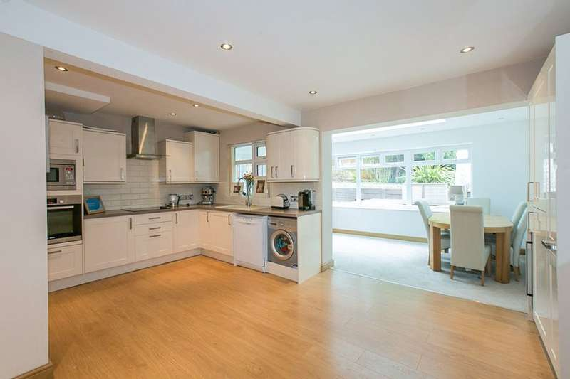 3 Bedrooms Semi Detached House for sale in Spring Vale, Bexleyheath, DA7
