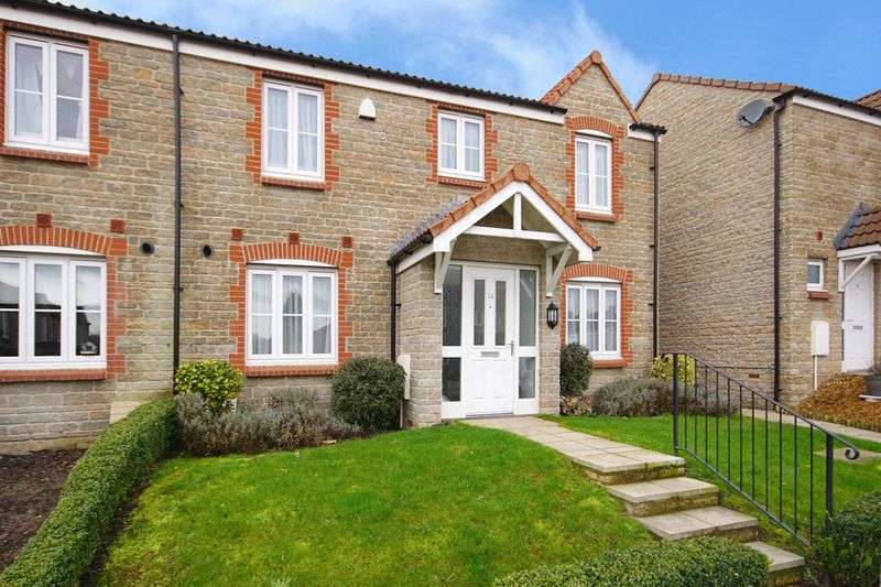 2 Bedrooms Semi Detached House for sale in Green Park Warmley Bristol