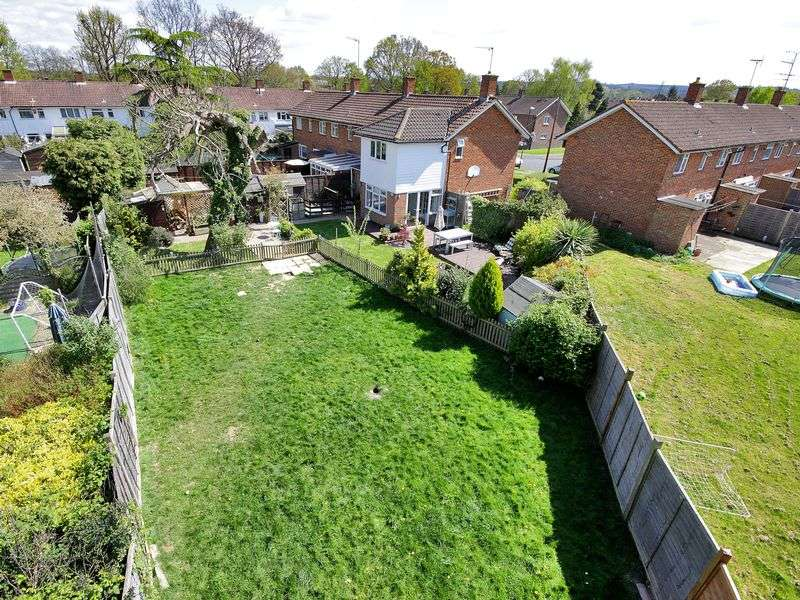 4 Bedrooms House for sale in The Birches, Three Bridges, Crawley, West Sussex