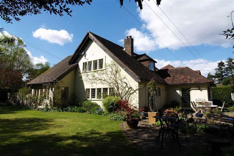 4 Bedrooms Detached House for sale in Denbigh Road, Haslemere, Surrey, GU27