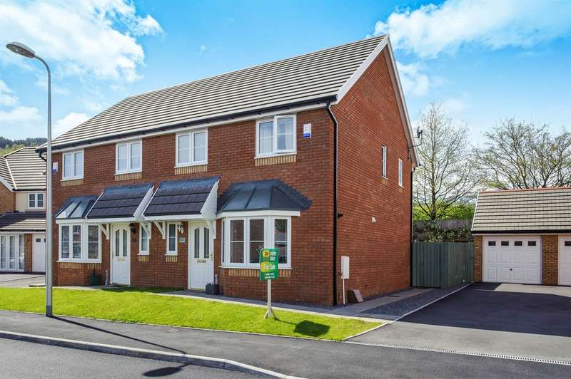 3 Bedrooms Semi Detached House for sale in Heol Ty Aberaman, Aberaman, ABERDARE