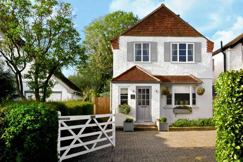 3 Bedrooms House for sale in Cobham KT11