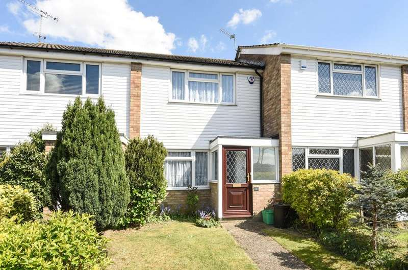3 Bedrooms Semi Detached House for sale in Lyoth Road Orpington BR5