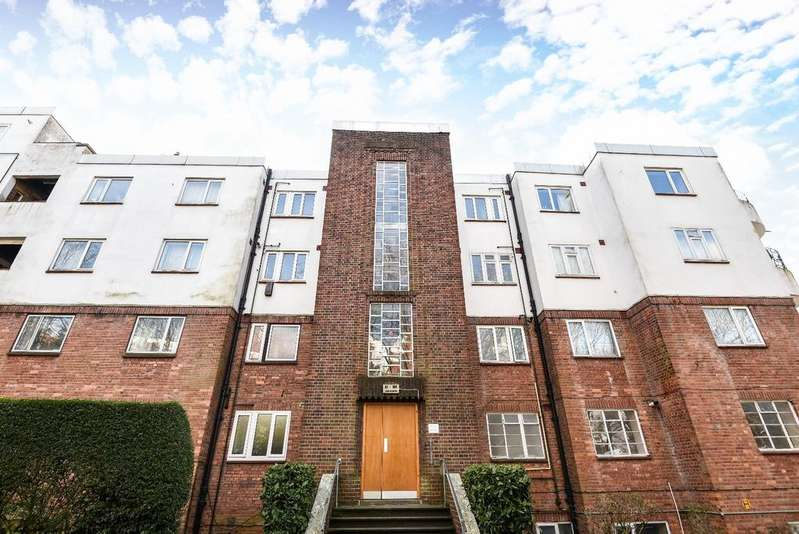 2 Bedrooms Flat for sale in The Woodlands London SE19