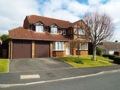 5 Bedrooms Detached House for sale in Elburton, Plymouth, Devon