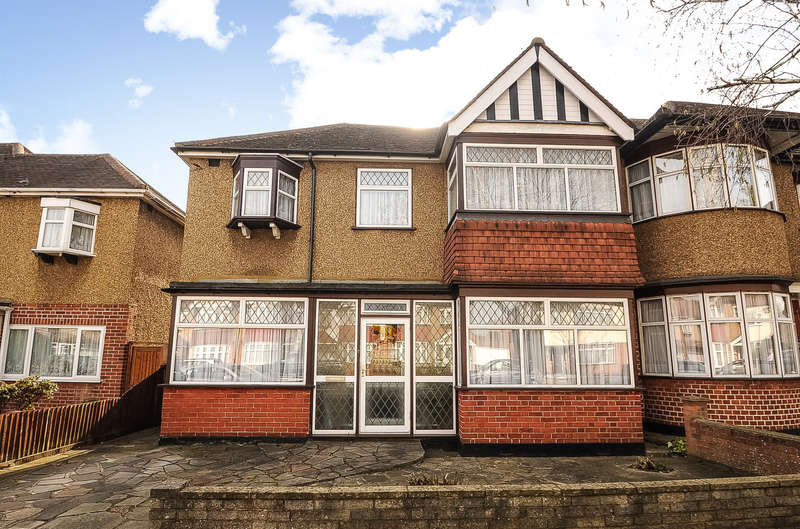 4 Bedrooms Semi Detached House for sale in Victoria Road, Ruislip Manor, Middlesex, HA4